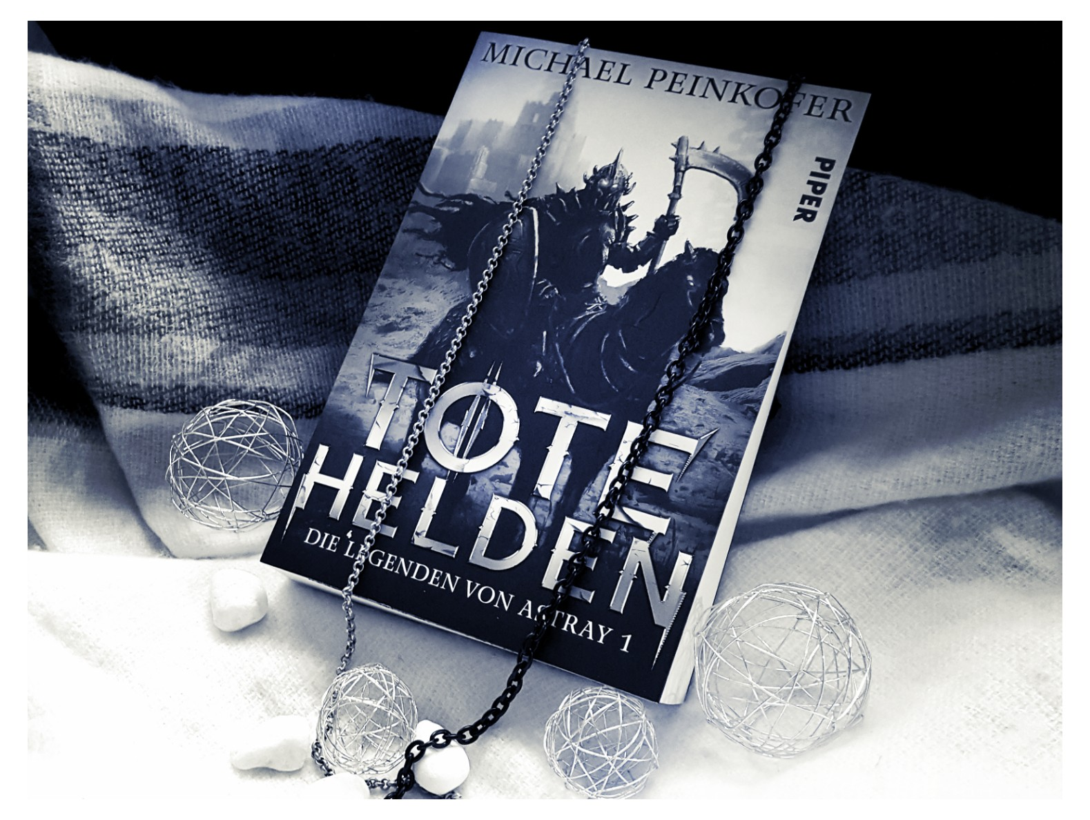 [Rezension] Michael Peinkofer – Tote Helden. Die Legenden von Astray